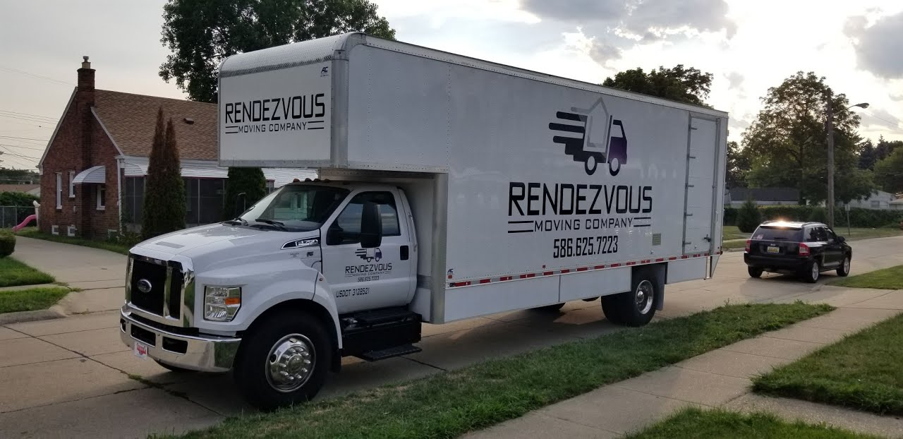 Rendezvous-moving-company-truck